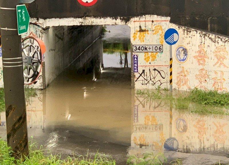 高市豪雨落雷停電 9處水位警戒