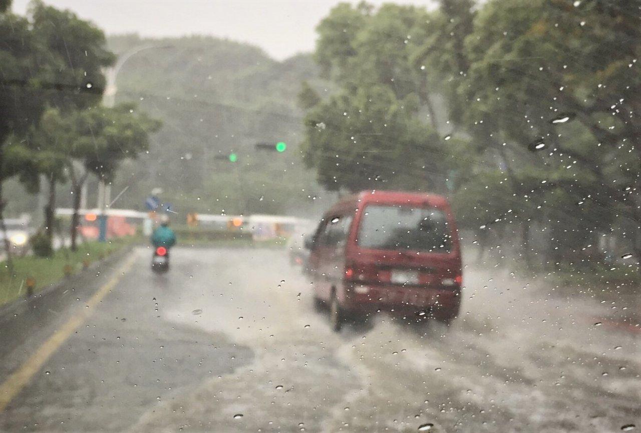 18縣市防大雨豪雨 北市士林中山一級淹水警戒