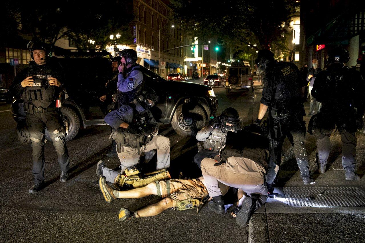 示威近百日 波特蘭警方展開多項逮捕