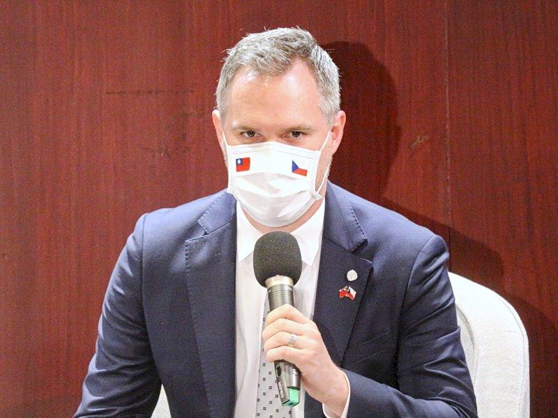布拉格市長宣布深化與台灣夥伴關係 聚焦科技教育