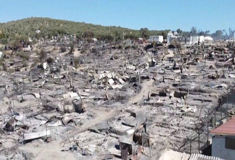 希臘最大難民營大火 營區近全毀上萬人逃生