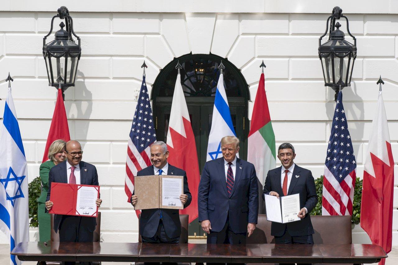 川普見證 阿聯巴林與以色列簽關係正常化協議