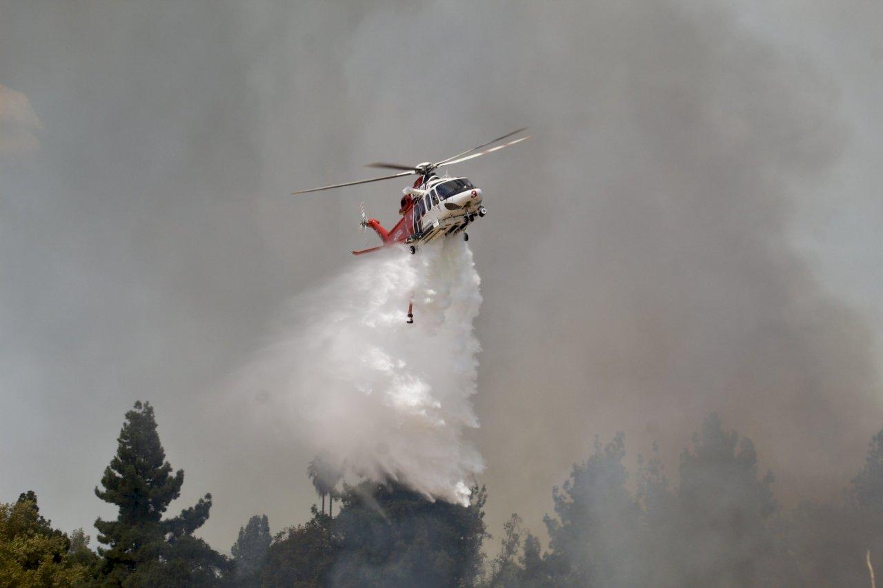 加州野火狂燒 消防員全力搶救天文學聖地