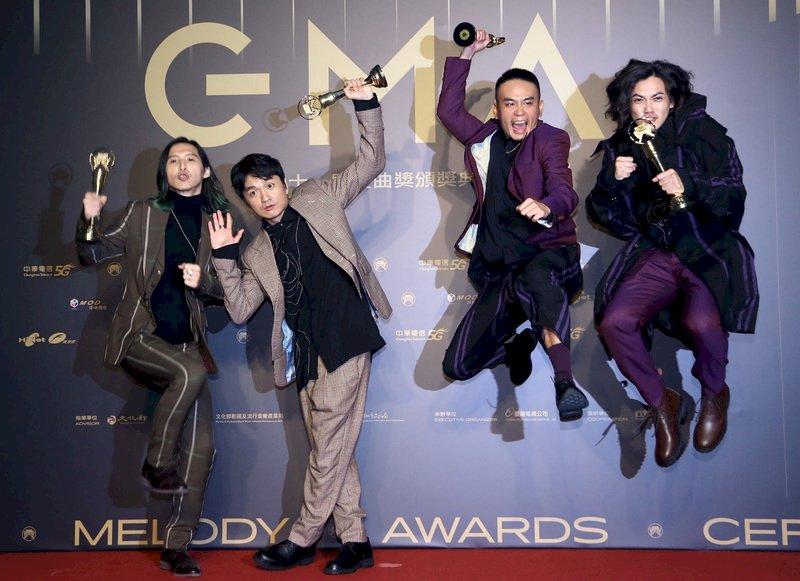 榮獲金曲最佳樂團獎的滅火器樂團
