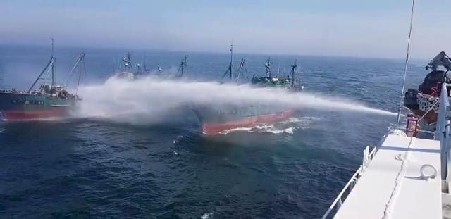 中國漁船違法捕撈猖獗 韓國海警擬動武因應