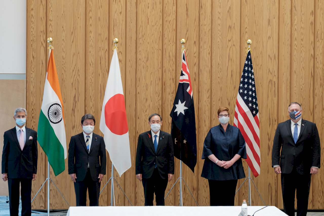 蓬佩奧日本會首相菅義偉 美日印澳四方會談盼抗中連線成形
