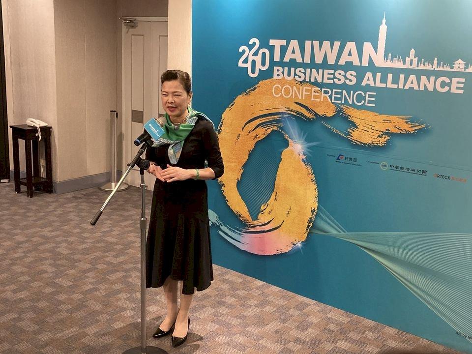 全球投資恐衰4成 經長:台灣投資仍穩健成長