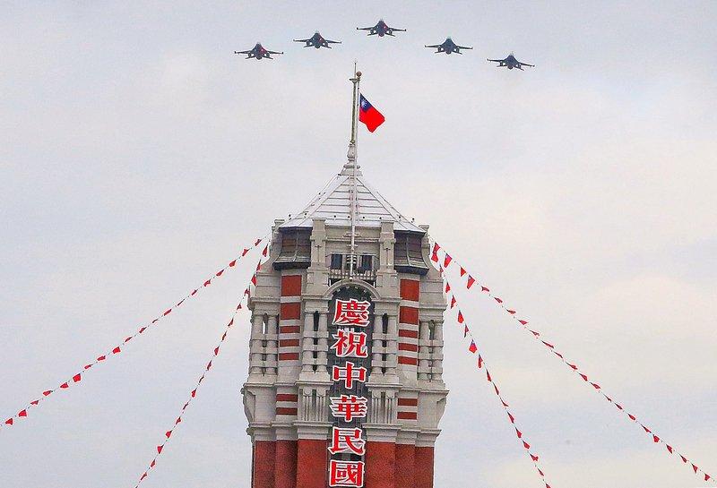 雙十國慶預演 12型飛機擬28日總統府衝場