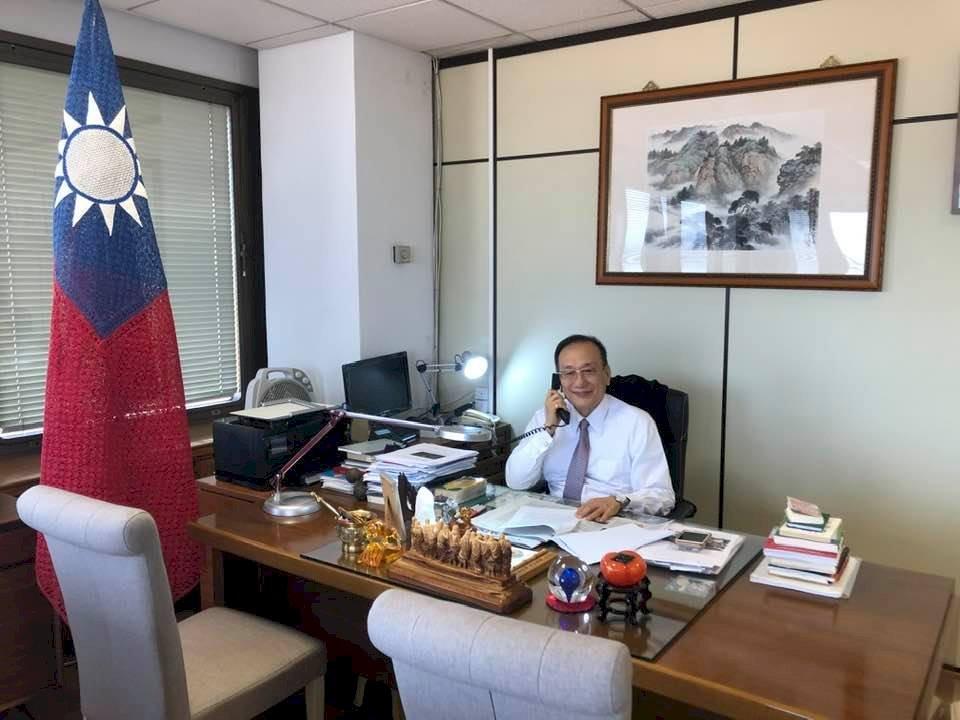 西班牙電台專訪駐西代表:重申台灣堅守民主