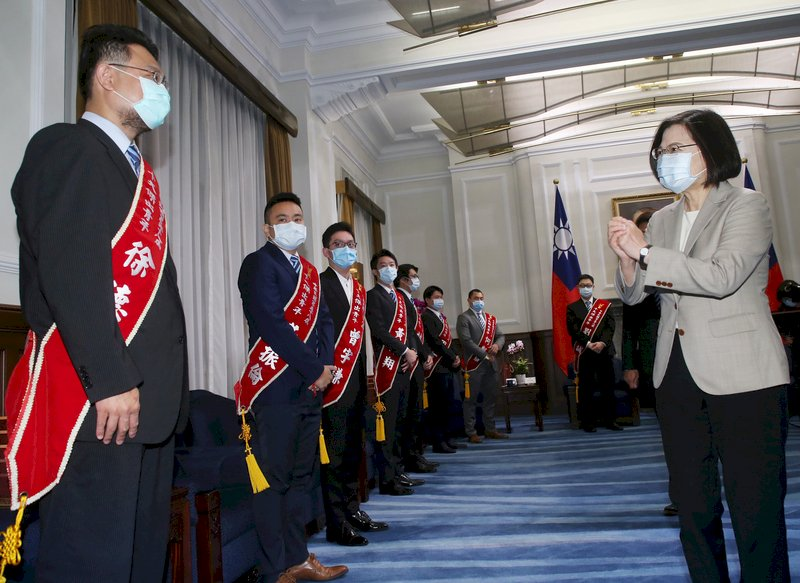 接見十大傑青 蔡總統:讓年輕世代擁有更多世界舞台