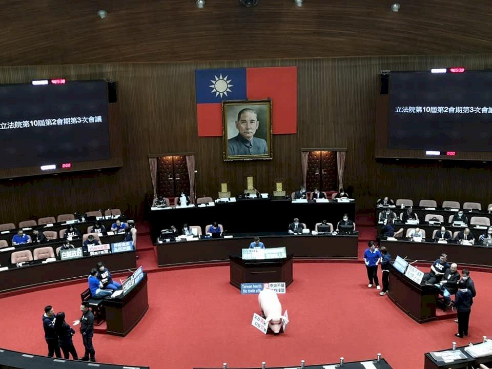 藍委再度杯葛蘇貞昌施政報告 院會又陷空轉