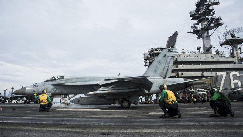 美軍航艦打擊群部署南海 宣示快速反應突發狀況