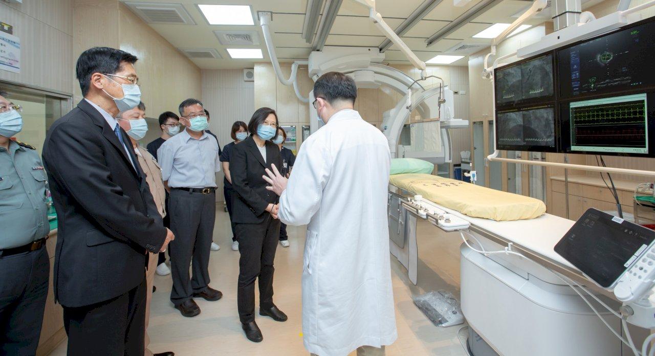 總統視導三總澎湖分院心導管室  盼提供最好醫療