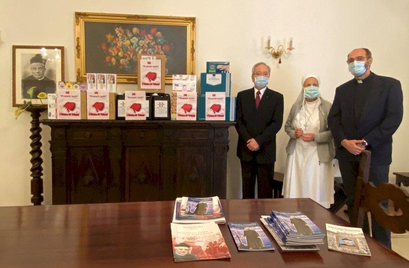義疫情單日確診近2萬 駐教廷使館贈防疫物資