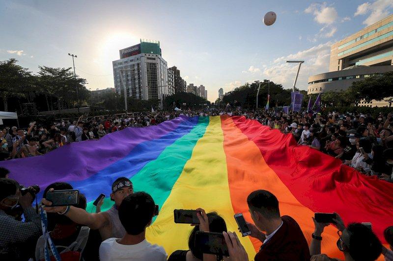 在台港人看同志遊行