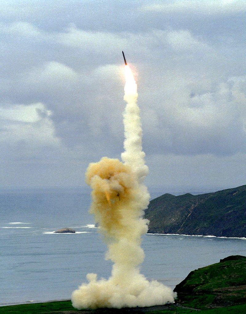 美大選前夕 向西太平洋試射義勇兵三型飛彈