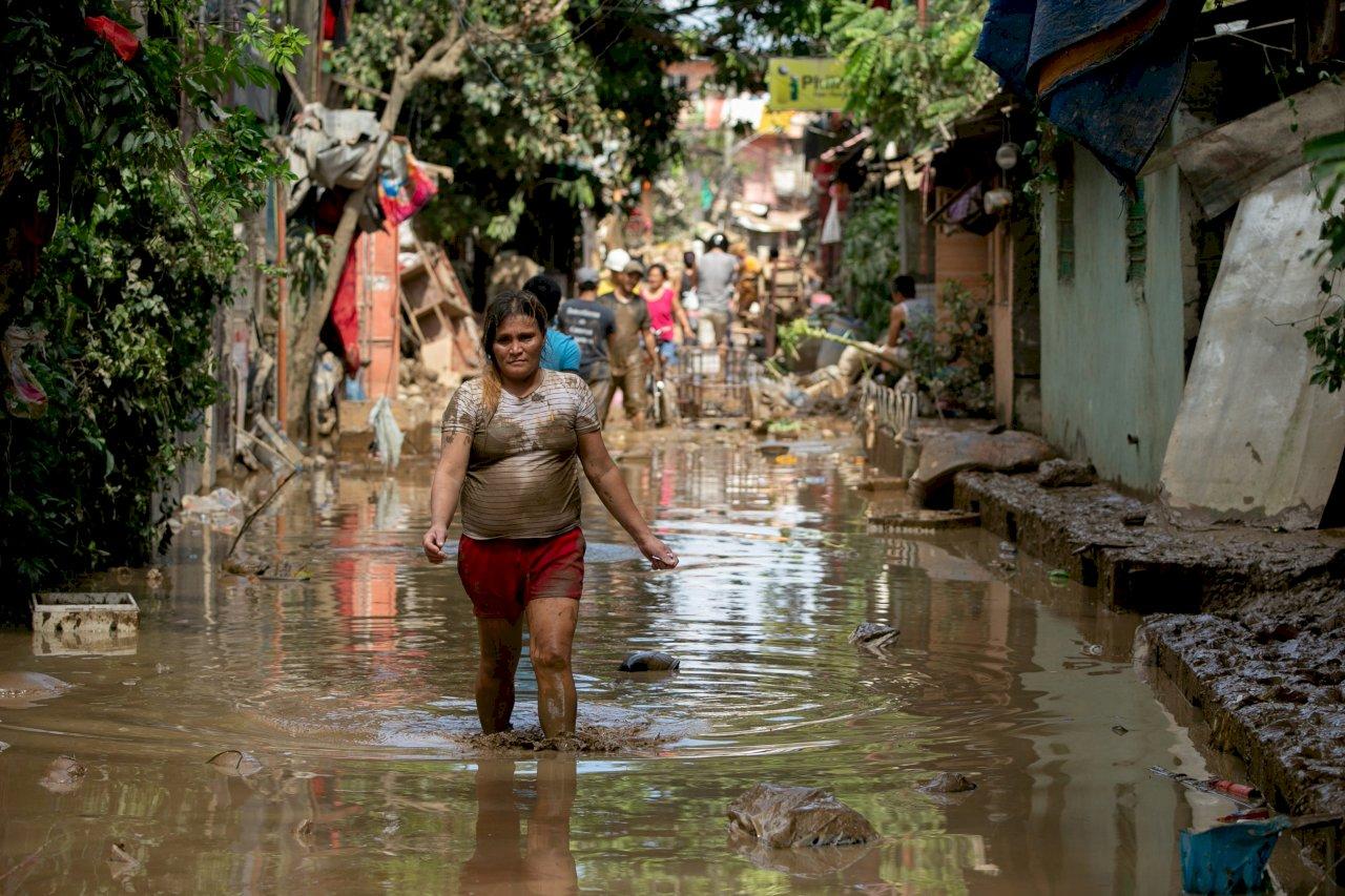 梵高颱風菲律賓奪53人性命 往越南中部沿海省份逼近