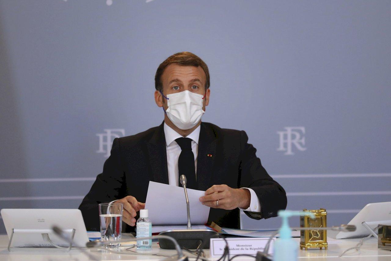 法國防疫新規 醫療人員強制打疫苗看電影需有證明