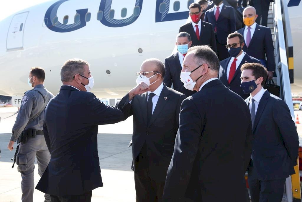 巴林外長抵以色列 展開首度正式訪問