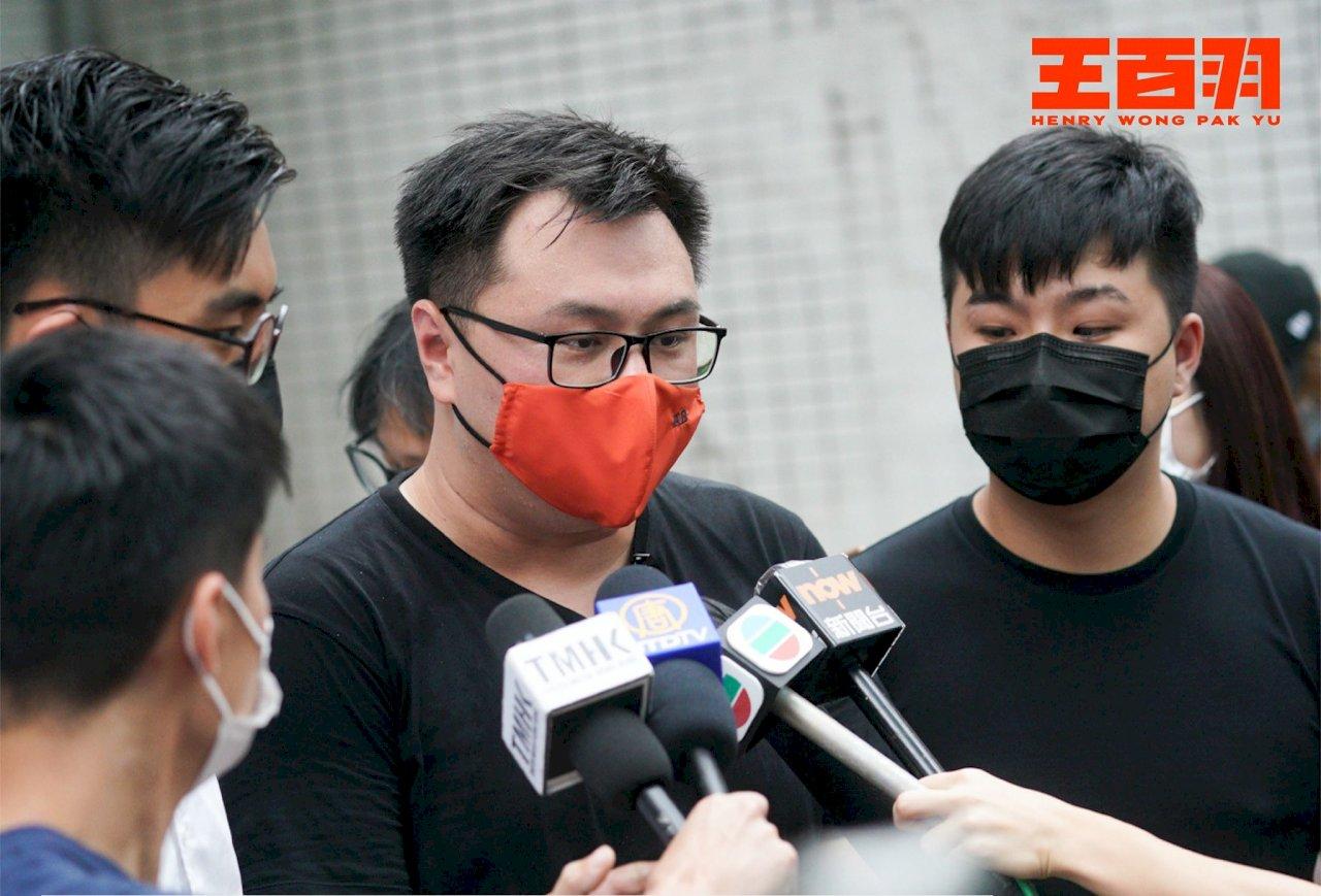 香港2泛民區議員清晨被捕