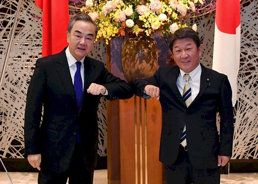 見笑轉生氣?王毅「手別伸太長」說 讓日本輿論對中國愈來愈反感