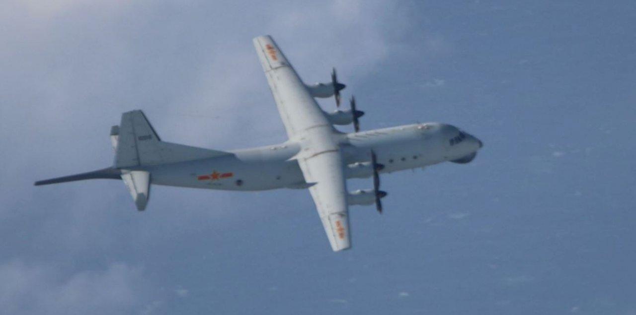 共軍運8遠干機又擾台 空軍防空飛彈追蹤監控
