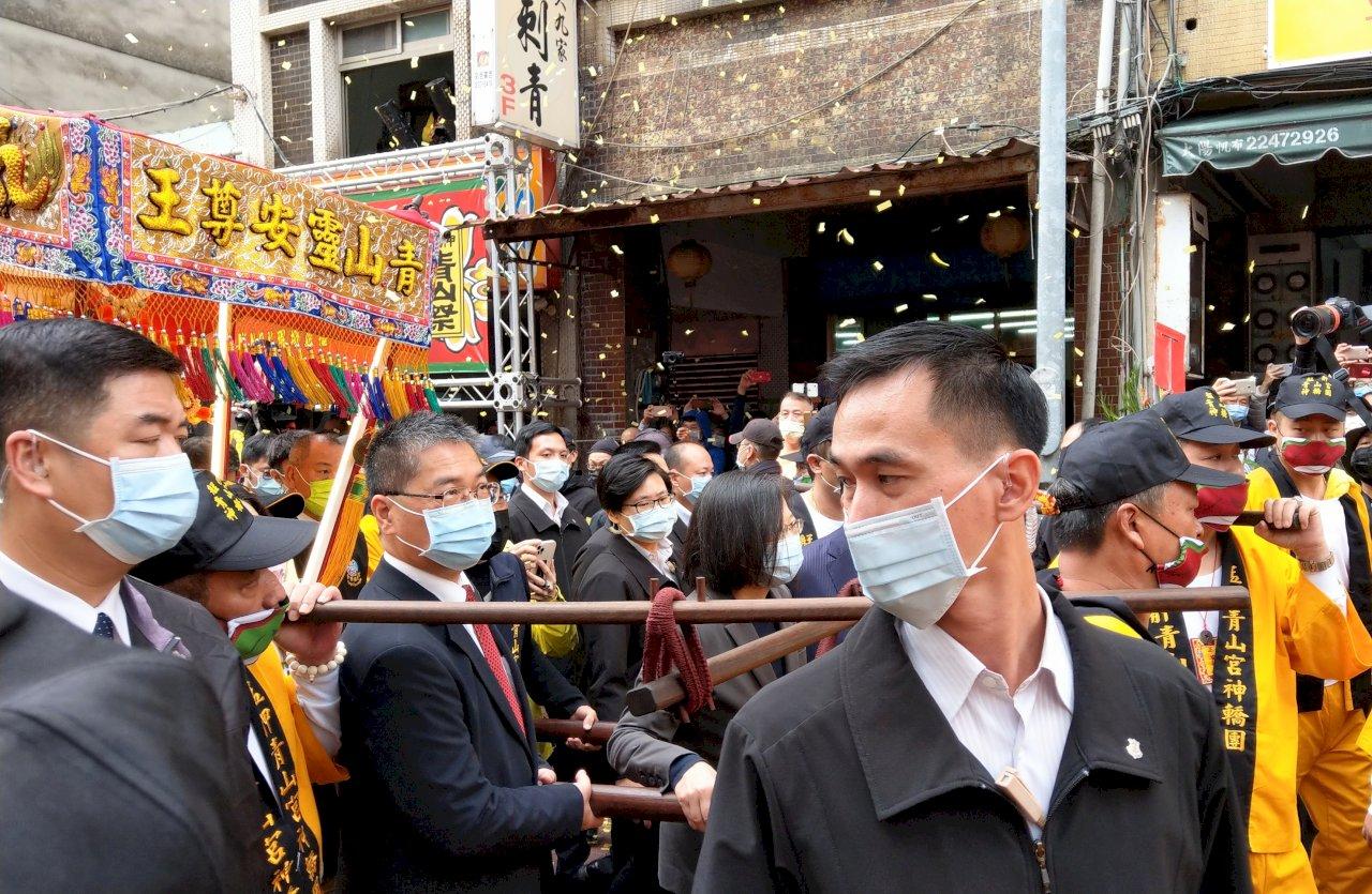天冷疫情變嚴重 總統籲戴口罩、勤洗手繼續守好台灣