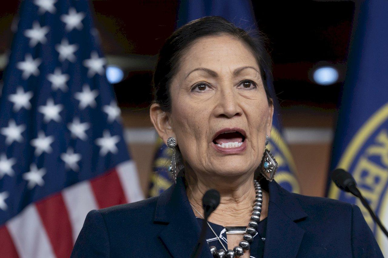 參院通過提名 哈蘭成美國首位原住民部長