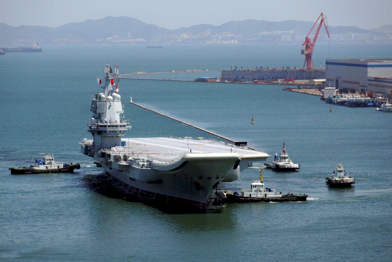 共軍證實山東艦赴南海演訓 稱例行性訓練