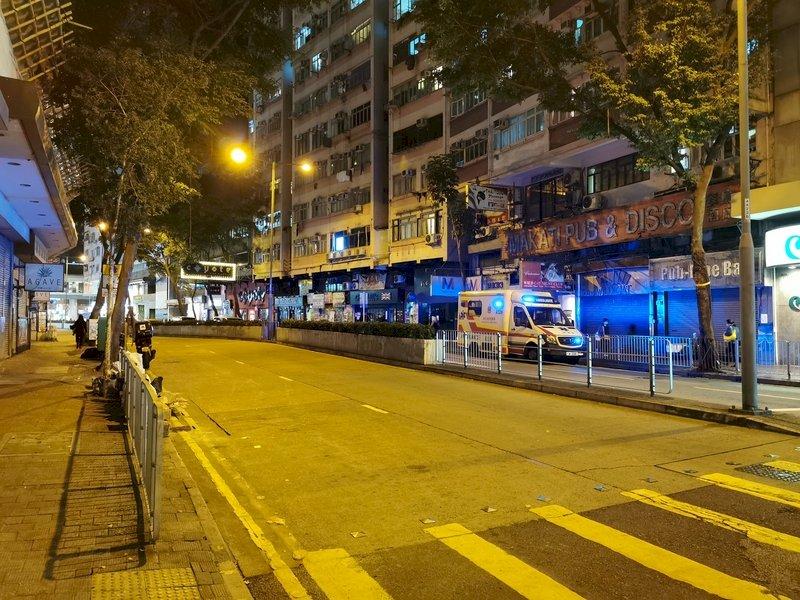 香港防疫首度局部封城 上萬人宅家48小時