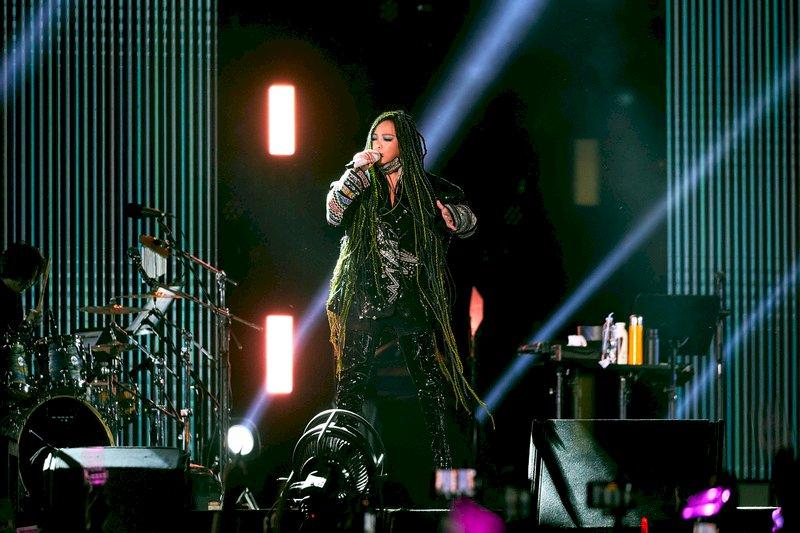 張惠妹重返台東開唱 伴7萬觀眾倒數迎2021