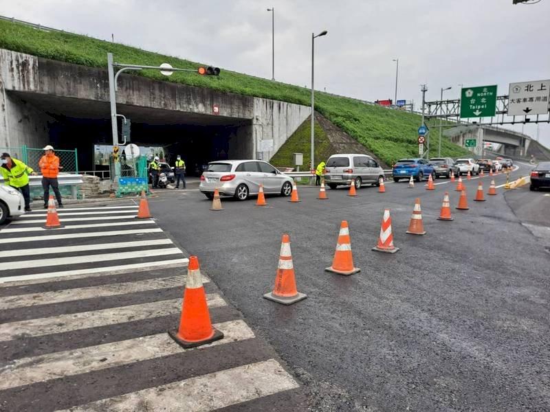 減少移動 端午連假高速公路匝道儀控再加強