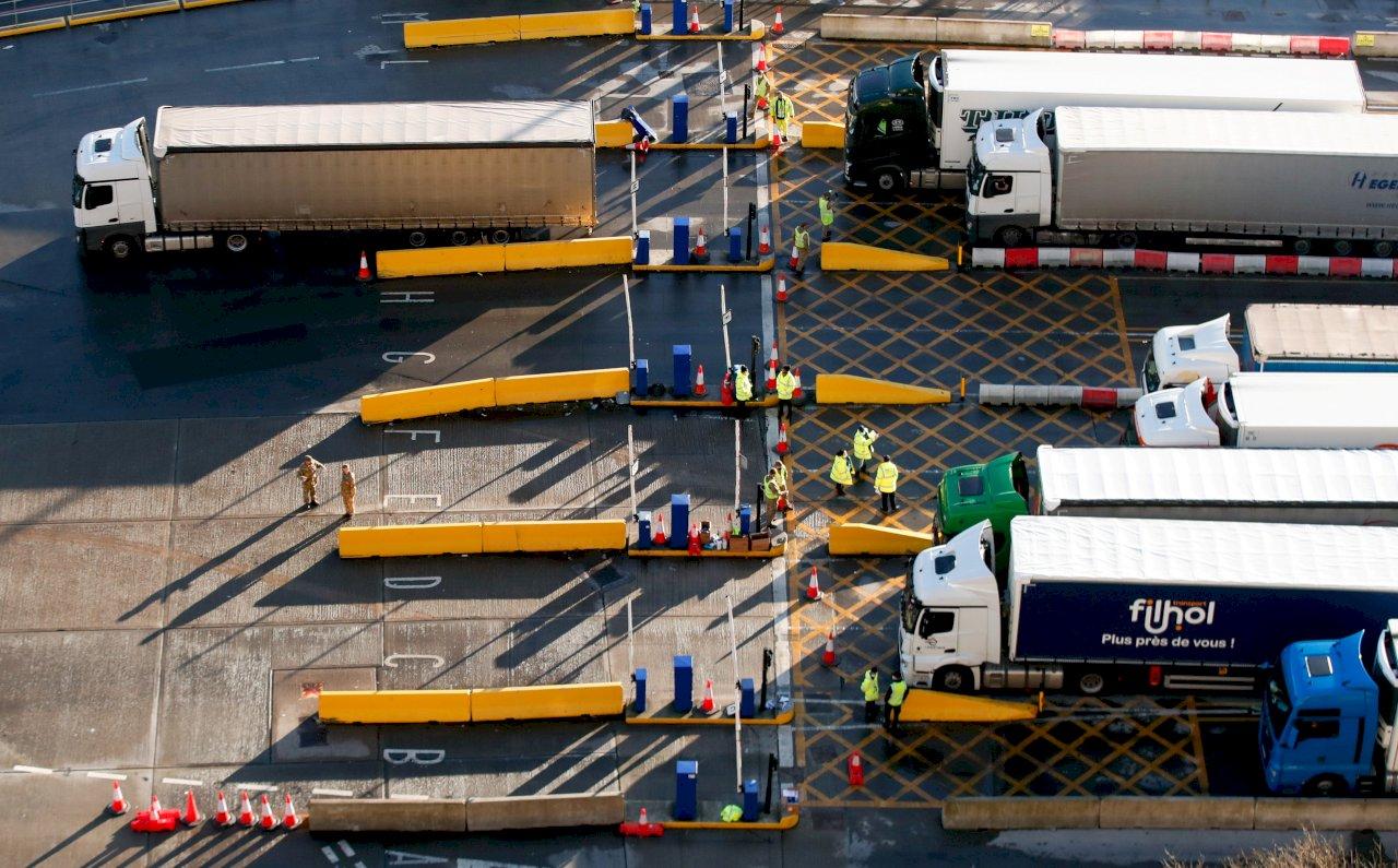 新年後過境交通量大增 英國後脫歐考驗開始