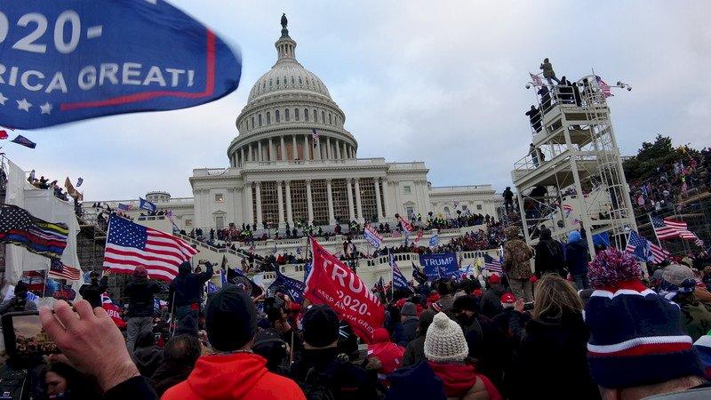 美國民主殿堂遭褻瀆 華府暴動震驚世人