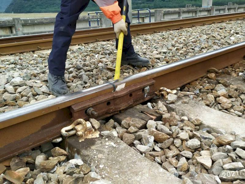 政院:台鐵總體檢報告通過後即由交通部執行