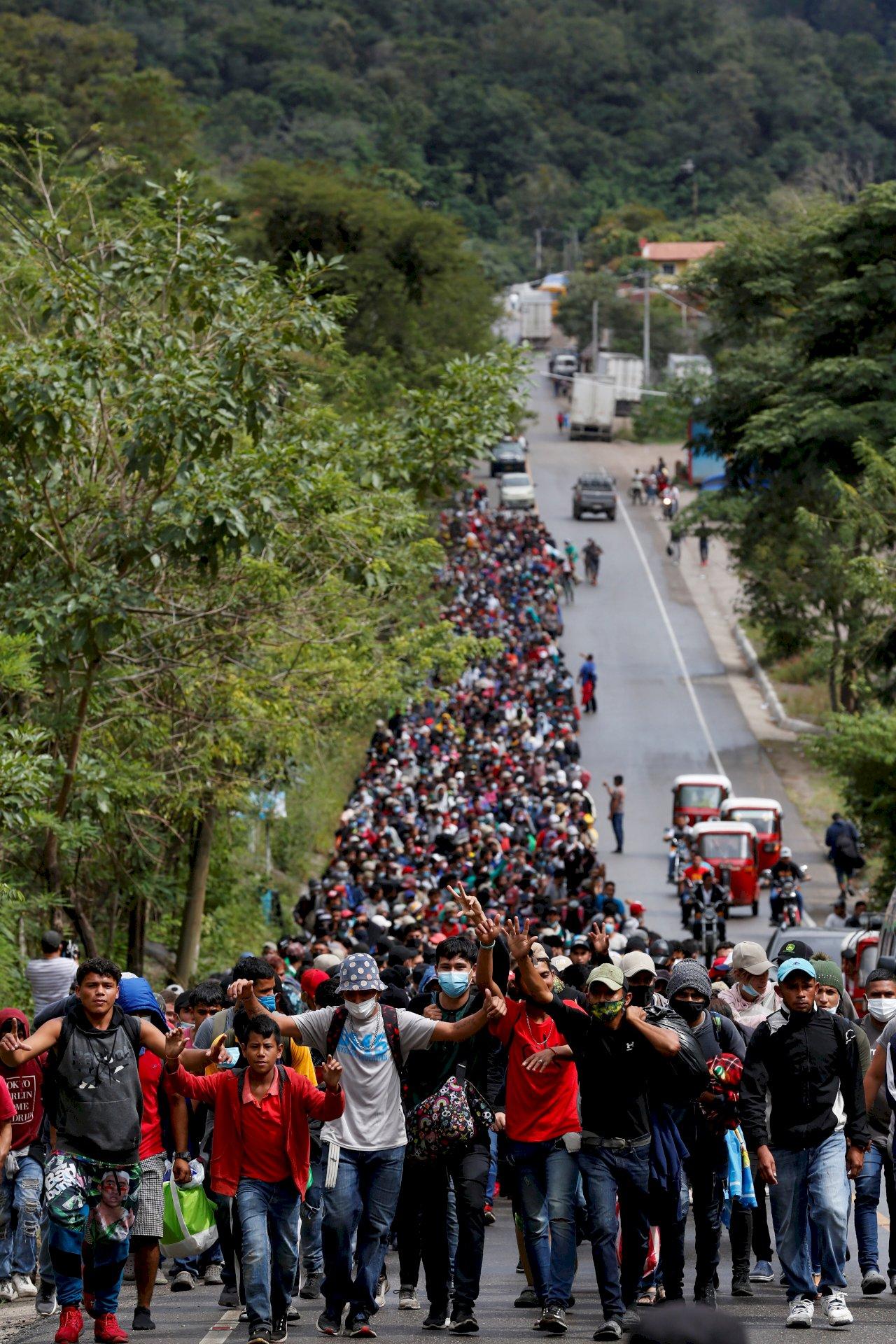 拜登新政踢鐵板?美法官暫擋下非法移民驅逐禁令