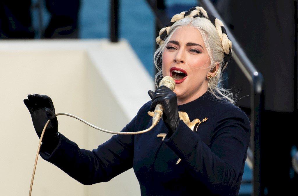 女神卡卡獻唱國歌 拜登就職向多元文化致敬
