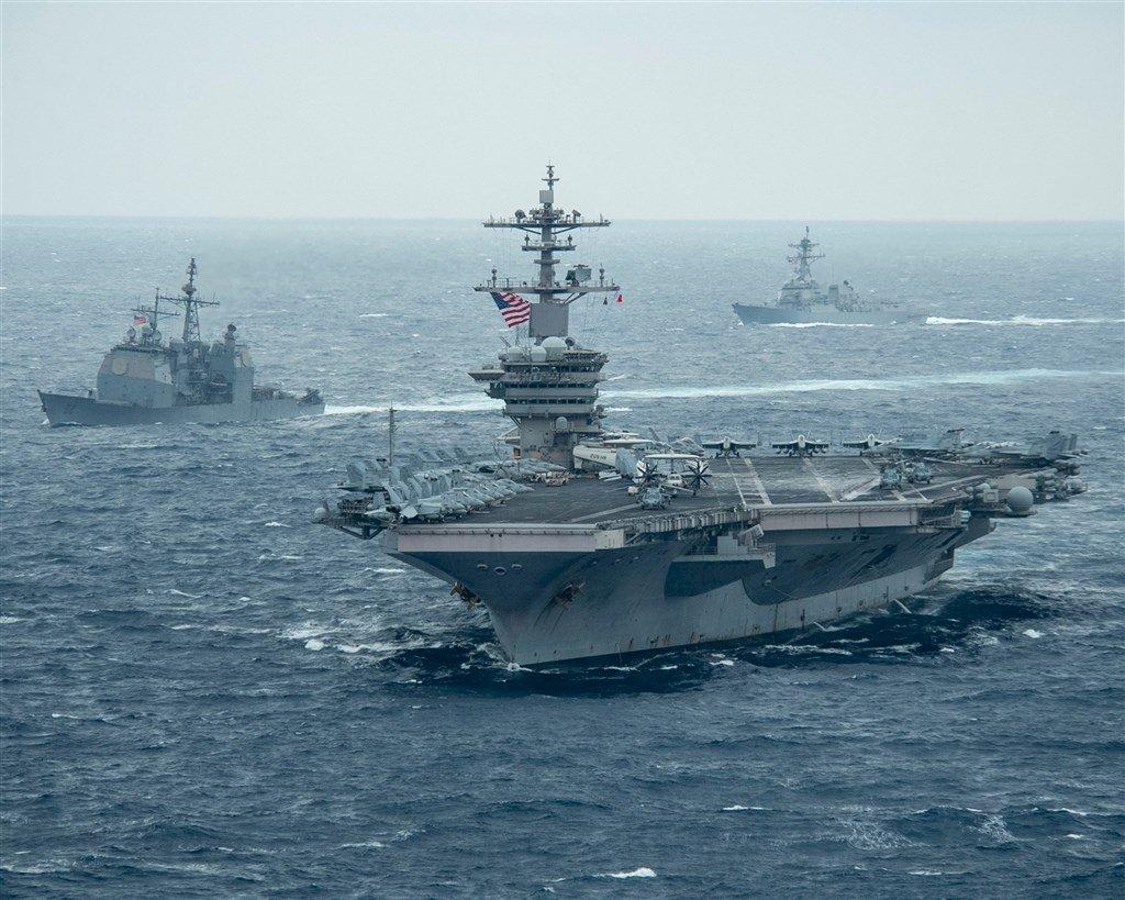 確保海洋自由 羅斯福號航空母艦打擊群進入南海