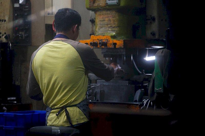 4月製造業景氣燈號續亮黃紅燈  疫情是未來關鍵
