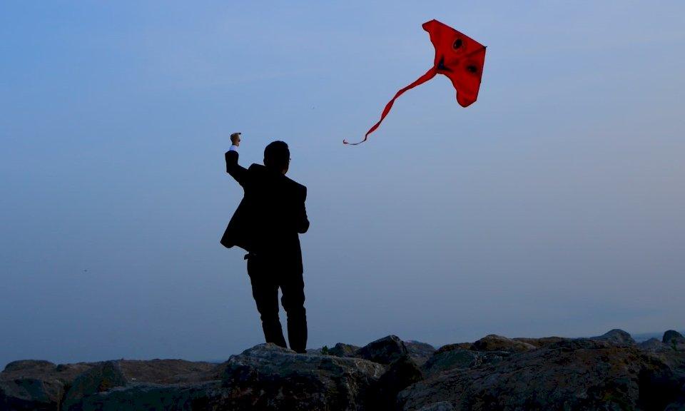 安華醫師:我眼中的新疆問題(十一)隨波逐流的風箏人