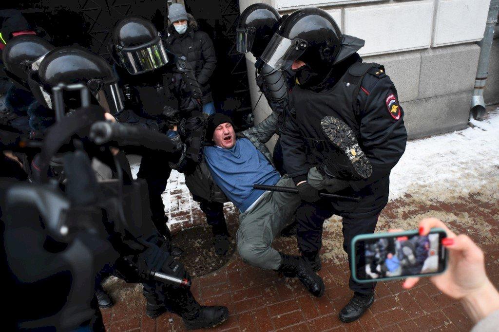 俄警對示威民眾動粗 歐洲人權專員要求說明
