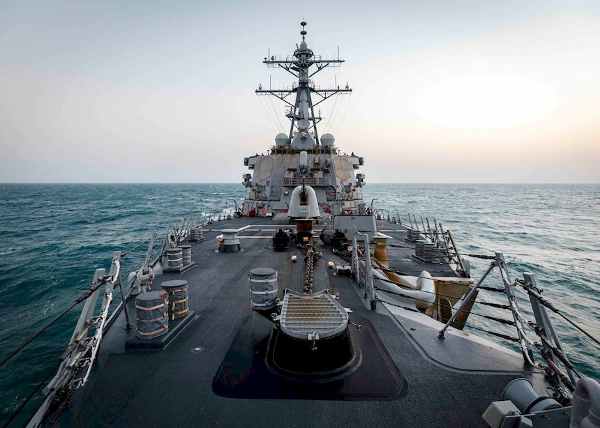 共軍機艦大舉擾台 美驅逐艦馬侃號通過台海