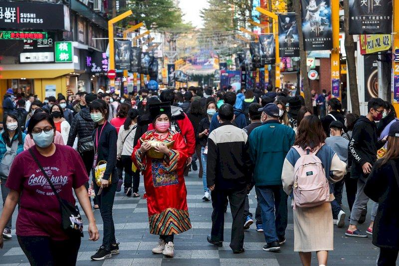 今年台灣經濟成長估4.64%創近7年新高 主計長說很穩健、沒有「荷蘭病」