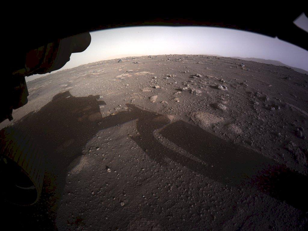 美國毅力號傳回火星新照片
