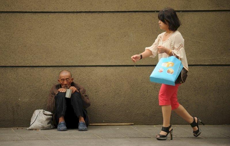 研究:年輕人愈加擔心疫情下的貧富差距問題