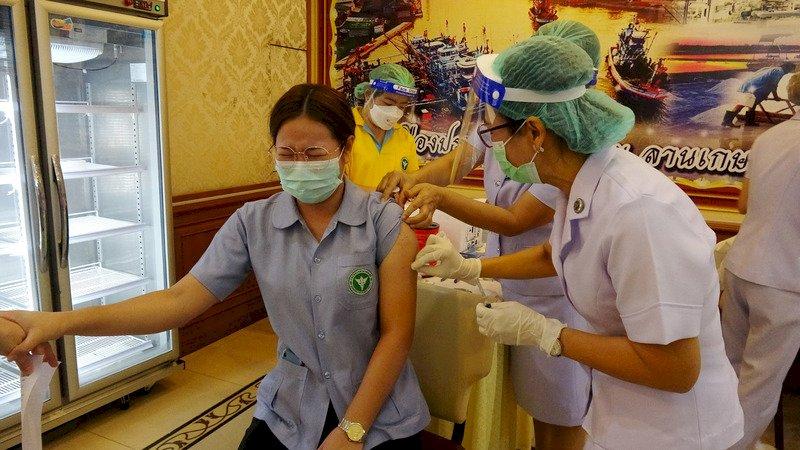 上百名醫療人員施打中國科興疫苗仍確診 泰國研擬追加施打第三劑