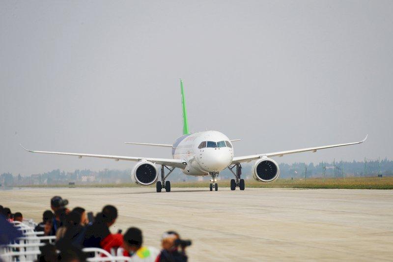 美制裁陰影下 中國製客機C919首張訂單成交