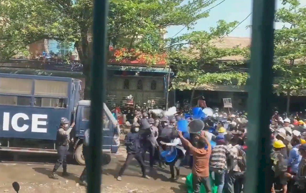 緬甸軍方對抗議民眾開槍 20傷其中3人命危