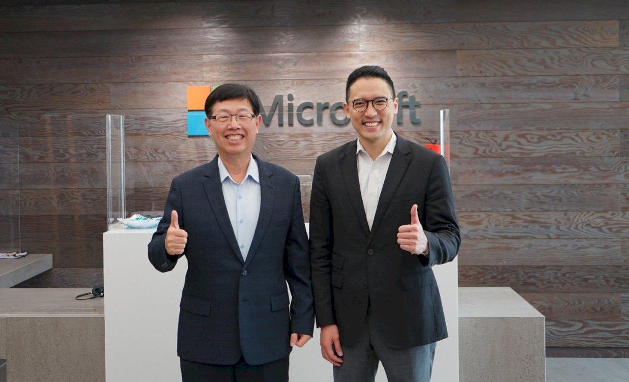 微軟攜手鴻海 劉揚偉說要蛻變為「科技鴻海」