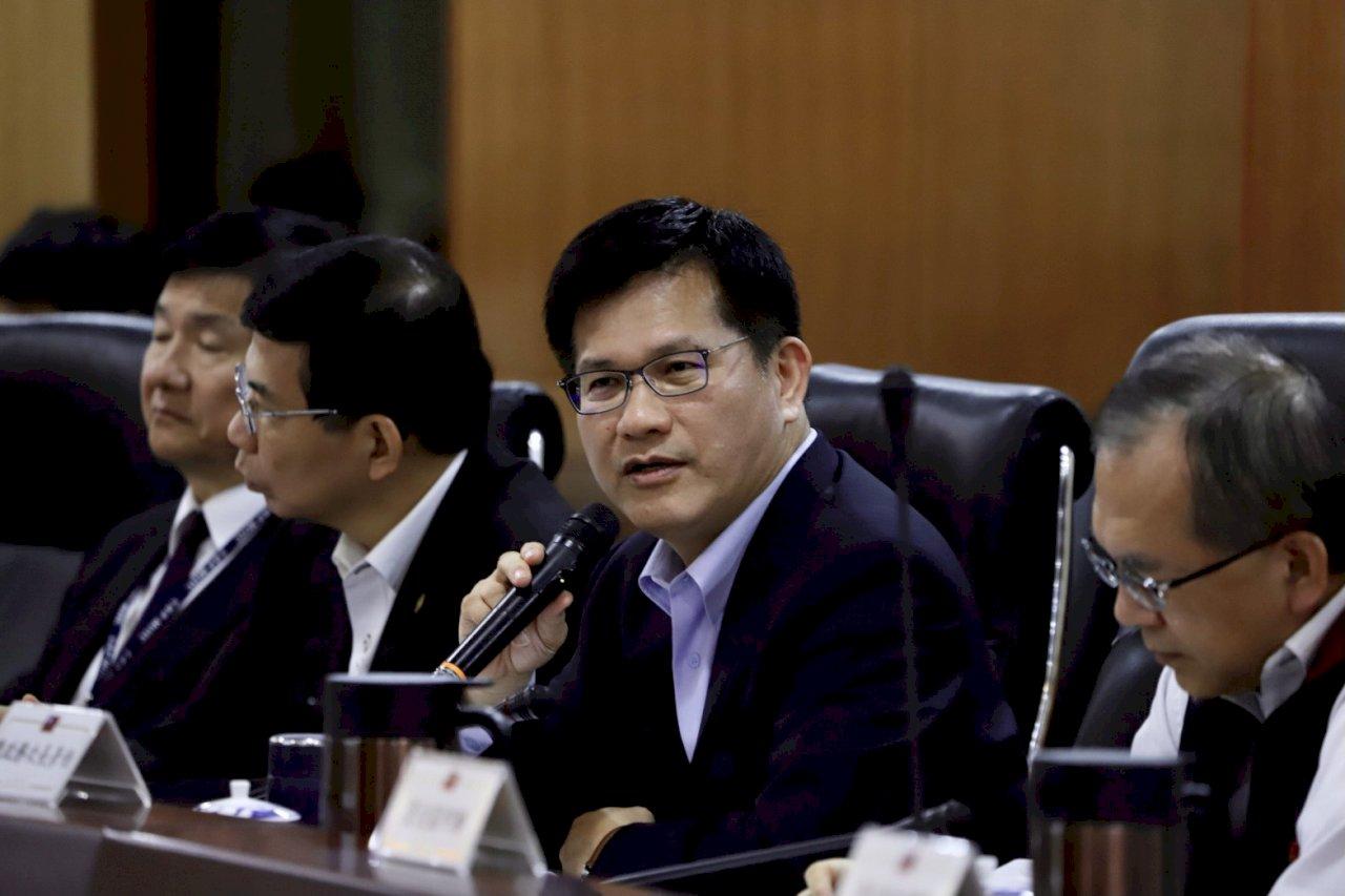 打造準國道 林佳龍拍板投入35億 提升西濱快速道路安全